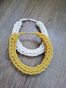 Náhrdelníky - Háčkovaný náhrdelník - reťazový - 10784382_
