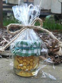 Potraviny - Včelí plást v agátovom mede - 10784919_