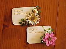 Magnetky - Kvetinová magnetka s kvietkom a textom pre učiteľky - 10784659_