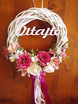 Dekorácie - Veniec cyklamen, pink, ivory 33cm s nápisom - 10784662_