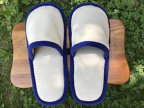 Obuv - Béžové papuče s modrým lemom - 10787042_