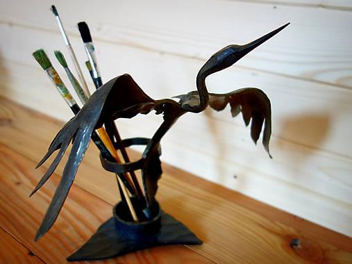 Kovaný stojan na písacie potreby - volavka