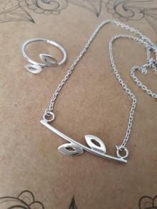 Náhrdelníky - strieborný náhrdelník CUTE WILDNESS  (LISTY rhodiované) - 10786927_