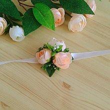 Náramky - Kvetinové náramky pre družičky - 10790918_