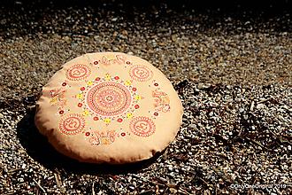 Úžitkový textil - Maľovaný ručne šitý meditačný vankúš LUNI - 10790808_