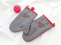 Úžitkový textil - Kuchynská chňapka (rukavice) s ručnou výšivkou - 10790463_