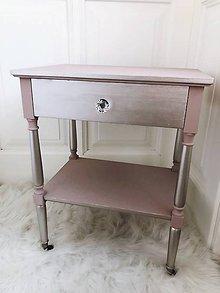 Nábytok - Odkladací stolík na kolieskach - 10790592_