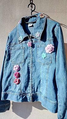 Kabáty - riflová s háčkovanými kvetmi - 10791123_