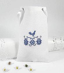 Úžitkový textil - Darčeková taštička V folk vyšívaná - 10790905_