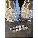Perličkové sponky: biely dotyk