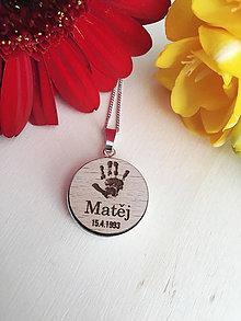 Náhrdelníky - Personalizovaný náhrdelník s graviráciou jedného odtlačku ruky, nohy alebo labky psíka - 10794414_