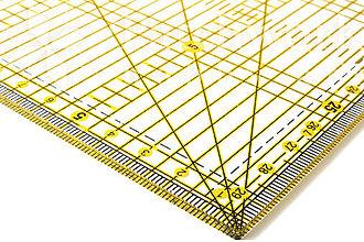 Pomôcky/Nástroje - Pravítko na patchwork 15 x 30 cm - 10792552_