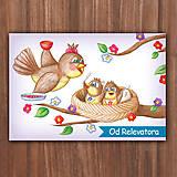 Papiernictvo - Jarná pohľadnica - hladné vtáčiky vykúkajúce z hniezda - 10794272_