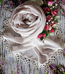 Šály - Zrození perly - pudrový šifonový šál s krajkou - 10796236_