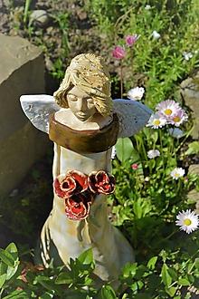Dekorácie - Anjel s kytičkou ruží :) - 10795229_