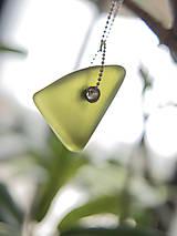 Náhrdelníky - Sklenený trojuholník - 10795846_