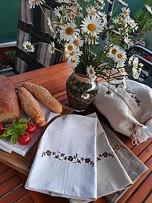 Úžitkový textil - Ľanová kuchynská utierka s výšivkou - 10796763_