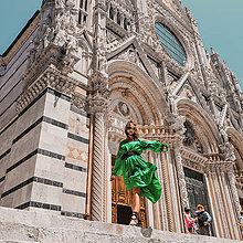 Šaty - UNI Volánové šaty z jemného nekrčivého saténiku rôzne farby - 10796933_