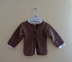 Detské oblečenie - Pletený svetrík hnedý - 10796634_