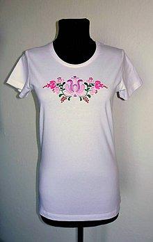 Tričká - Ručne vyšívané dámske tričko - 10796177_