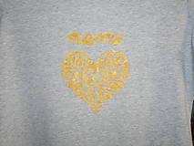 Tričká - ,,zlaté srdiečko,, na sivom- tričko- - 10799524_