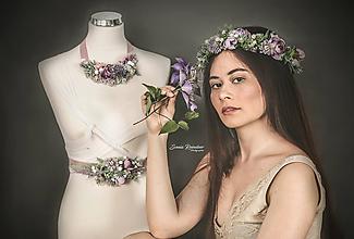 Náhrdelníky - Romantický kvetinový náhrdelník  Lúka- fialový - 10797333_