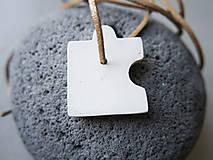 Náhrdelníky - Betónový prívesok - puzzle 1 - 10797463_