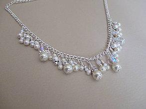 Náhrdelníky - Asimetrický náhrdelník - perlovo korálkový - bižutérny kov - 10798531_