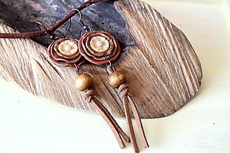 Náušnice - hnedé natur náušnice s kožou - 10798009_