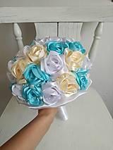 Kytice pre nevestu - Kytica z krémových a tyrkysových ruží - 10799543_