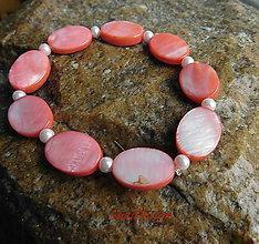 Náramky - perleťový náramoček ováliky - 10799993_