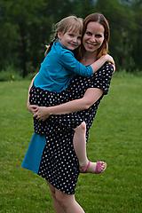 Šaty - Šaty modro-čierne srdiečkové pre malú i veľkú - 10800338_