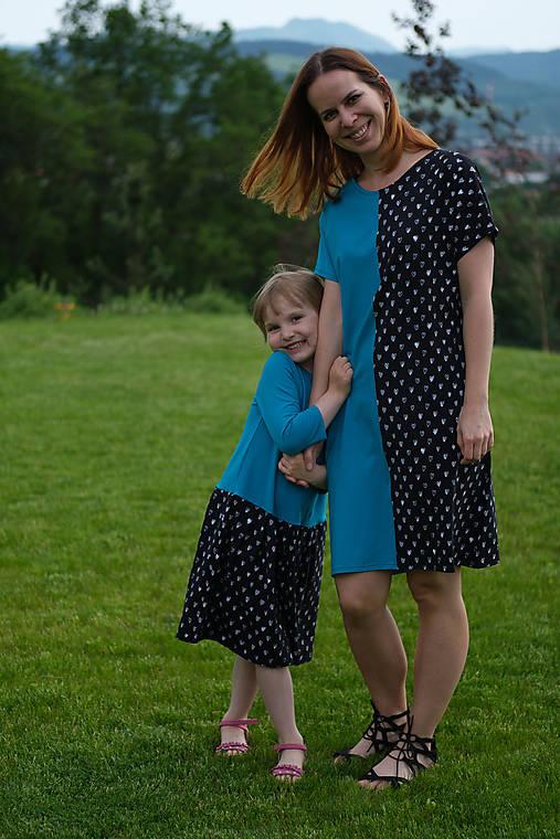Šaty modro-čierne srdiečkové pre malú i veľkú