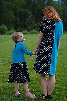 Šaty - Šaty modro-čierne srdiečkové pre malú i veľkú - 10800341_
