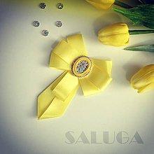 Odznaky/Brošne - Dámsky motýlik - žltý - šujtáš - 10802290_
