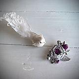 Odznaky/Brošne - Art brošňa - ruža fialová, srdiečko, strieborná - 10801553_