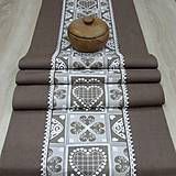 Úžitkový textil - MATÚŠ-krása tradície hnedá (2)-stredový obrus 130x40 - 10801375_