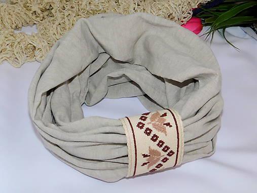 Ľanový nákrčník s ručnou výšivkou