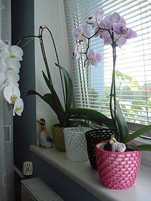 Dekorácie - hačkovaná mriežka na kvetináč - 10804152_