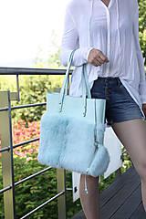 Veľké tašky - Koženo-kožušinová SHOPPER kabelka- MENTOLOVÁ - 10805721_