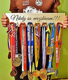 Dekorácie - Vešiak na medaily