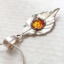 Náhrdelníky - Leaf Gemstone AG925 Pendant / Strieborný prívesok list s minerálom (Jantár synt,.) - 10807067_