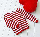 Detské oblečenie - Páskovaný červenobiely - 10807389_