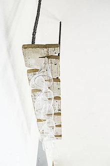 Nábytok - Závesný držiak na vínové poháre: Jedno staré drevo - 10807347_