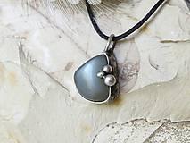 Náhrdelníky - Tri víly za splnu (mesačný kameň - adulár) - 10807645_