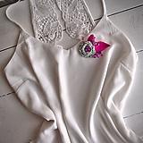 Odznaky/Brošne - Art brošňa - ruža jemnunko zelená, ružová, fialová, bodky, lístky, strieborná - 10807558_