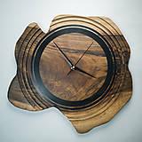 Hodiny - Artefakt - Orechové drevené hodiny - 10808260_