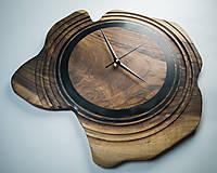 Hodiny - Artefakt - Orechové drevené hodiny - 10808263_