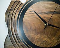 Hodiny - Artefakt - Orechové drevené hodiny - 10808266_