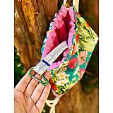 Batohy - Kvetovaný zaťahovací mini batôžtek / batoh  - 10807279_